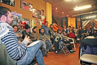 Una trentena de persones van participar al col·loqui