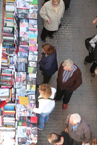 Llibres de pensament, història i experiències anarquistes als carrer de Berga. Enguany també a través de la parada del Centre d'Estudis Josep Ester Borràs.