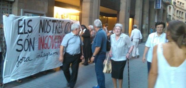 Protesta davant l'esglesia Mare de Deú de la Mercè de Manresa