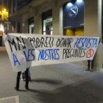 Una vintena de persones es concentren contra la visita de Puigdemont a Manresa